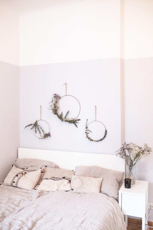 Diy Eukalyptus Kranz  Interiors  Ideen Zum Selbermachen von Dekoration Schlafzimmer Wand Photo