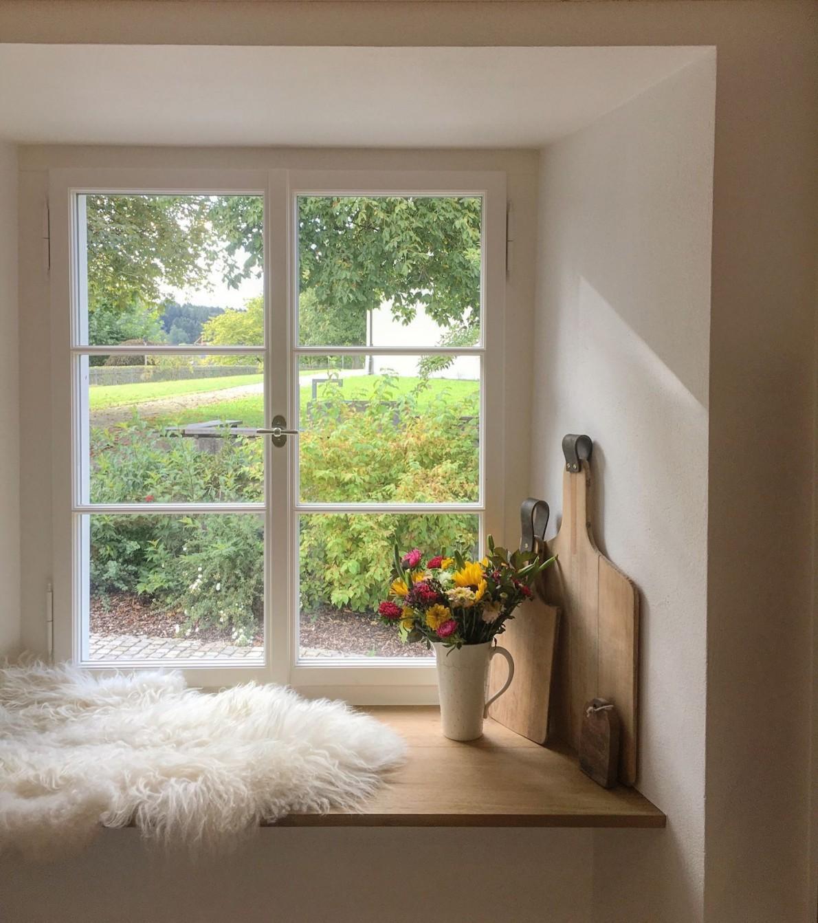 Fensterdeko Schöne Ideen Zum Dekorieren von Fensterbank Dekoration Landhausstil Bild