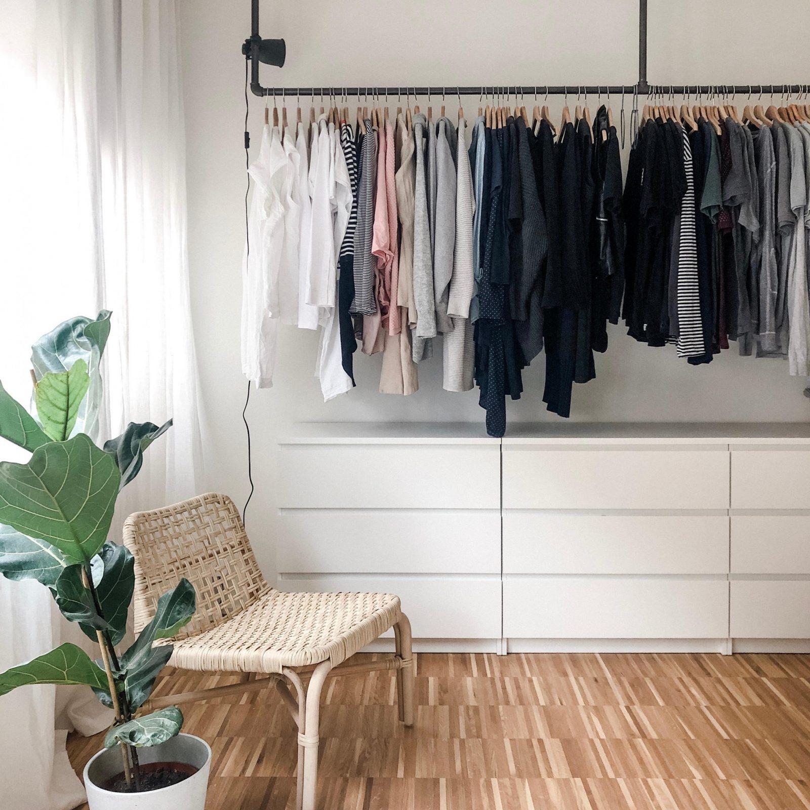 Kleiderschrank So Integrierst Das Stauraumwunder von Schlafzimmer Kleiderschrank Ideen Bild