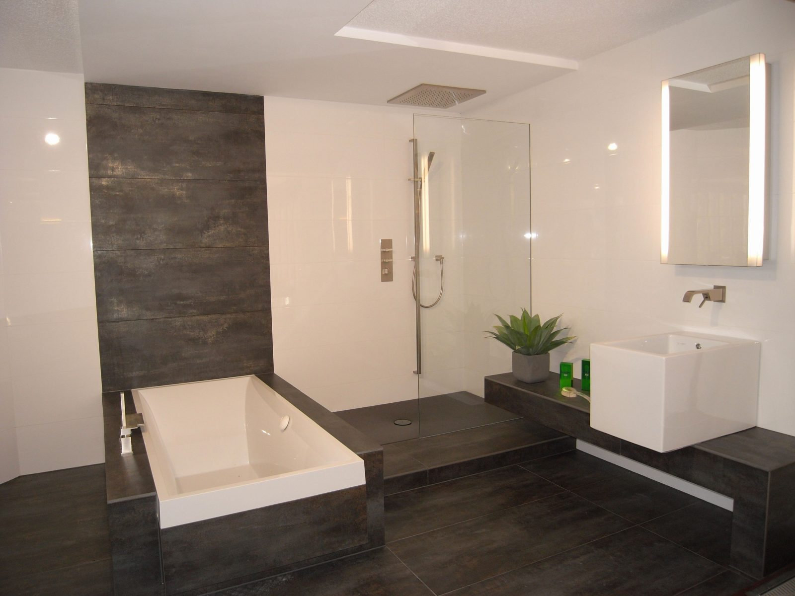 Pin Von Anastasia Kostopoulou Auf Bathroom  Badezimmer von Moderne Fliesen Für Badezimmer Photo