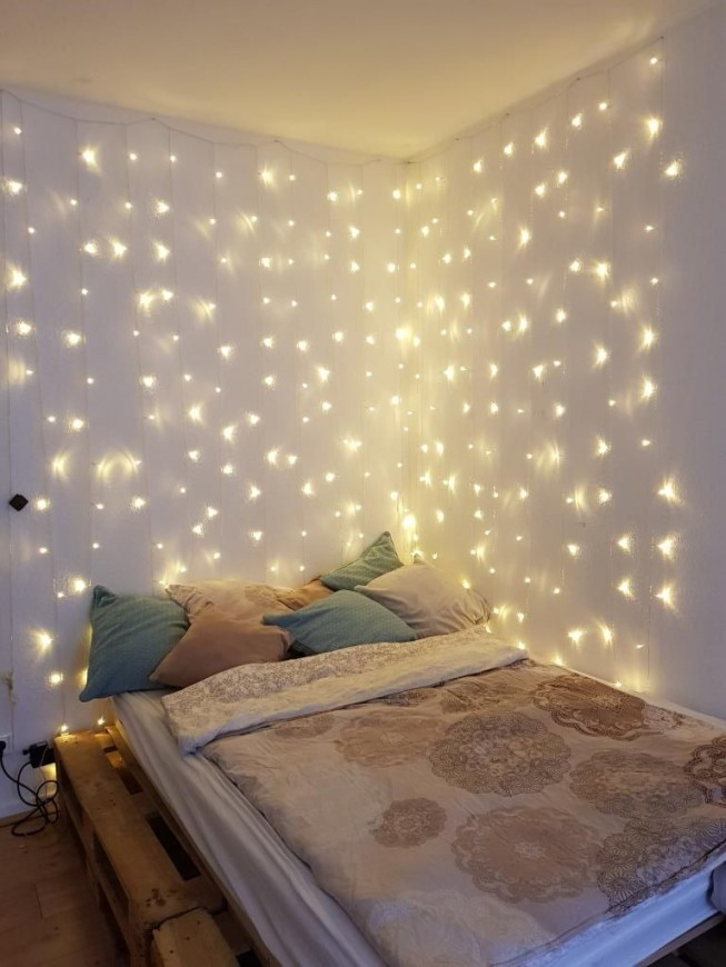 Schöne Einrichtungsidee Für Weihnachten Schlafbereich Mit von Dekoration Fürs Zimmer Bild