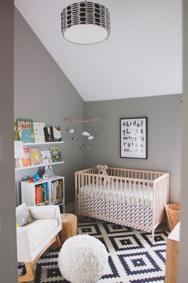 Babyzimmer Grau Weiß Dachschräge Weiße Decke Graue Wände In von Babyzimmer Grau Weiß Photo