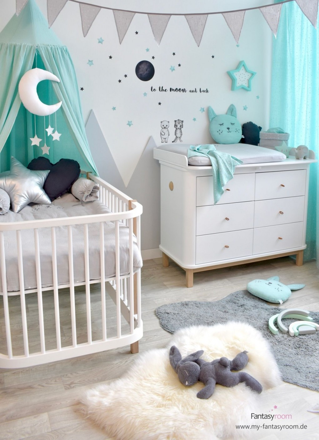 Babyzimmer Mit Bergen In Mint  Grau Bei Fantasyroom Online von Babyzimmer Grau Mint Bild