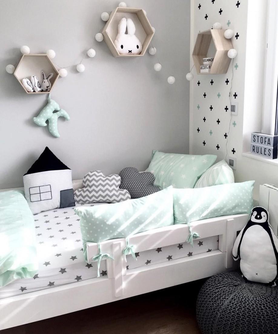 Kinderzimmer In Mint Grau Und Schwarz Weiß In 2019  Kinder von Babyzimmer Grau Mint Bild