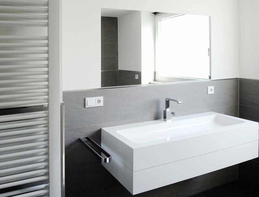 Konzepte Von Bad Fliesen Grau Weiß von Badezimmer Fliesen Ideen Grau Bild