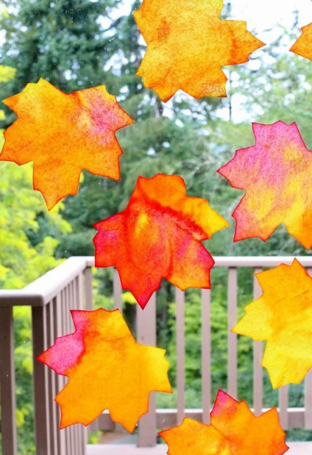 Mit Kindern Schöne Fensterbilder Im Herbst Basteln Und Malen von Herbst Dekoration Fenster Photo