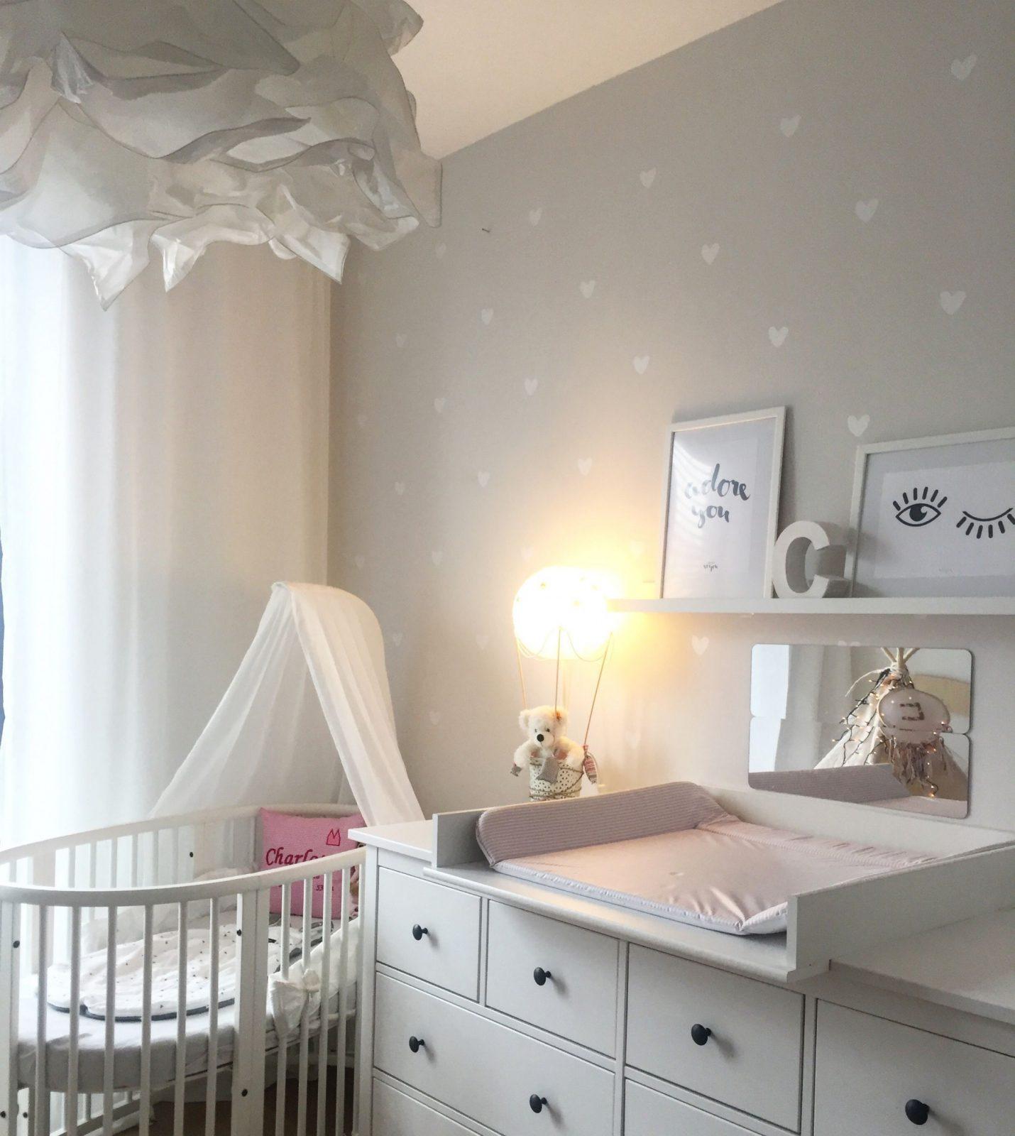 Stokke Babybett Kinderzimmer Babyzimmer Herzchen Ikea von Deko Für Babyzimmer Junge Bild