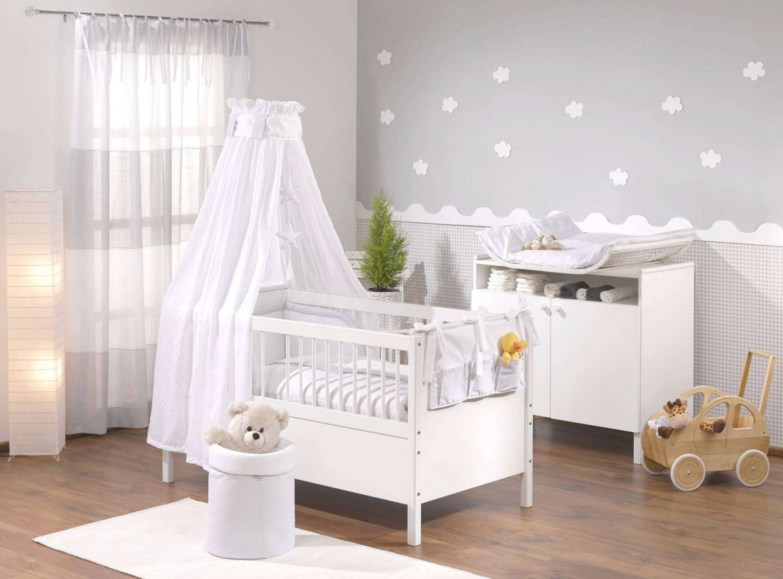 Wand Zweifarbig Streichen Ideen Ilikeplay Inside Wand von Babyzimmer Wände Gestalten Ideen Bild